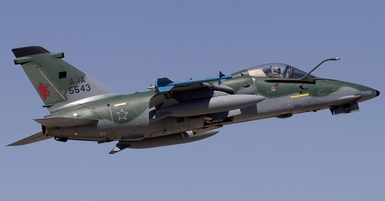 Cazas de Venezuela pueden haber invadido el espacio aéreo brasileño FAB_AMX_International_A-1A_-_Lofting