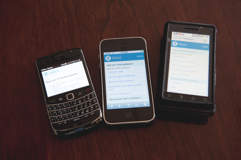 File:FEMA - 43779 - Mobile devices with the FEMA mobile