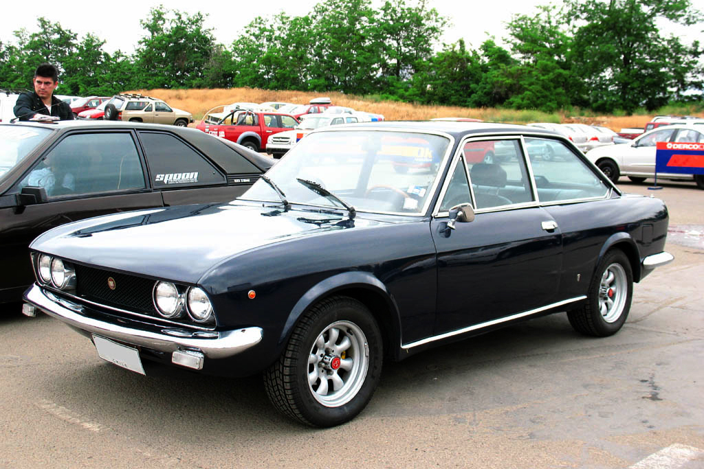 file fiat 124 sport 1600 wikimedia commons. Black Bedroom Furniture Sets. Home Design Ideas