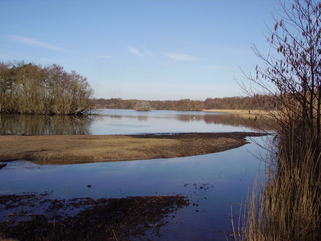 Fleet Pond from Sandy Bay - geograph.org.uk - 714789