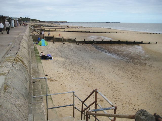Frinton-on-Sea, The beach north of Sandy Hook Breakwater - geograph.org.uk - 1474740