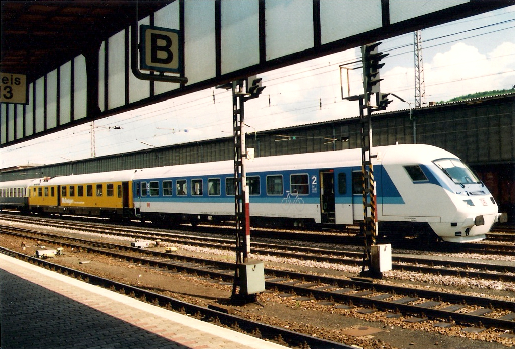 FileIRSteuerwagen in Trier Hbf 1995jpg Wikimedia Commons