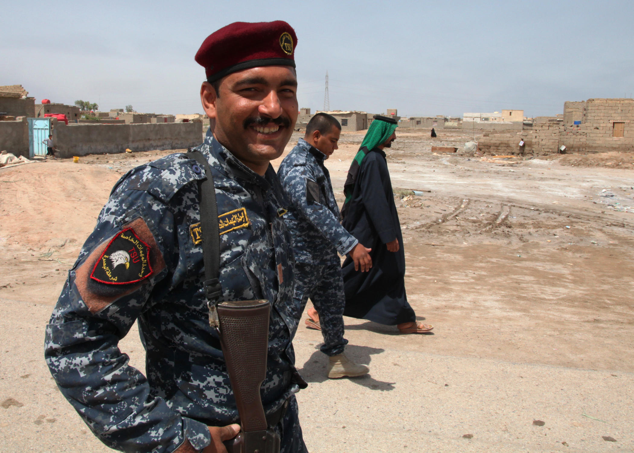 File Iraqi Policeman Patrols The K9 Station In Basrah Jpg