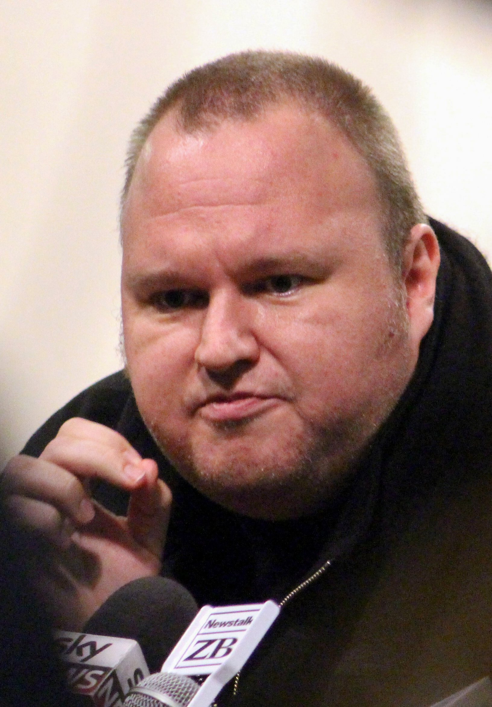 The 44-year old son of father (?) and mother(?) Kim Dotcom in 2018 photo. Kim Dotcom earned a  million dollar salary - leaving the net worth at 200 million in 2018