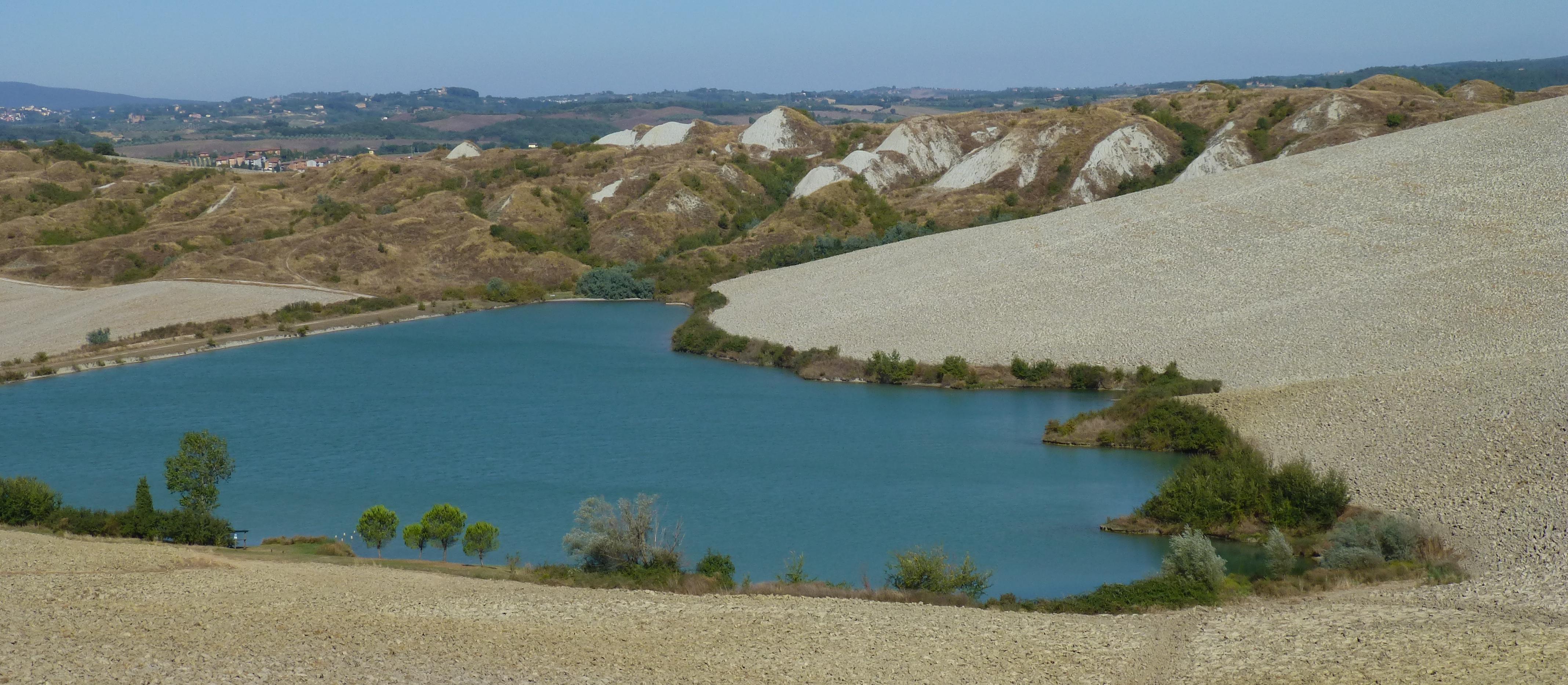 Veduta del versante di Le Fiorentine dal bivio tra Leonina e Mucigliani