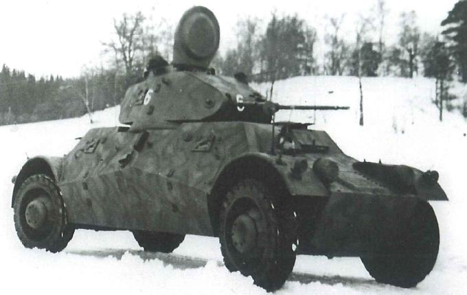 German Beute m/40 with a complex sprayed camouflage - Credits: Wikipedia