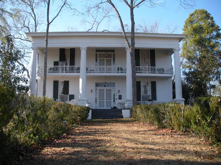 Noble hall wikipedia for Home builders in south alabama
