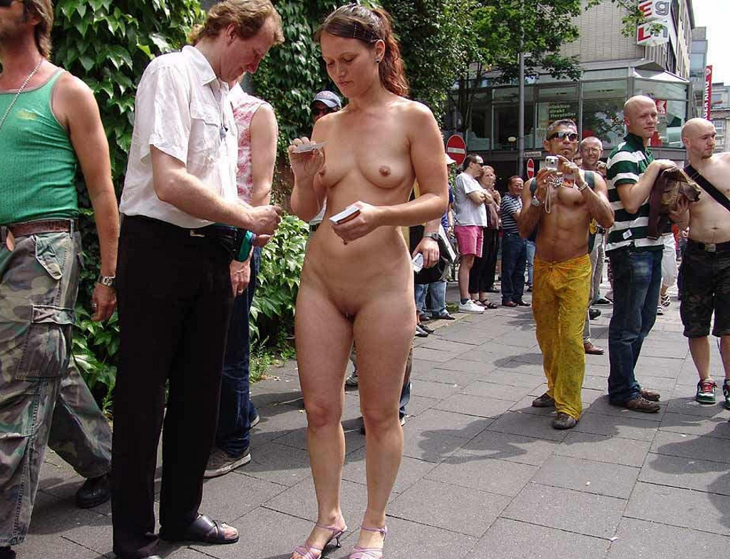 girl parade naked