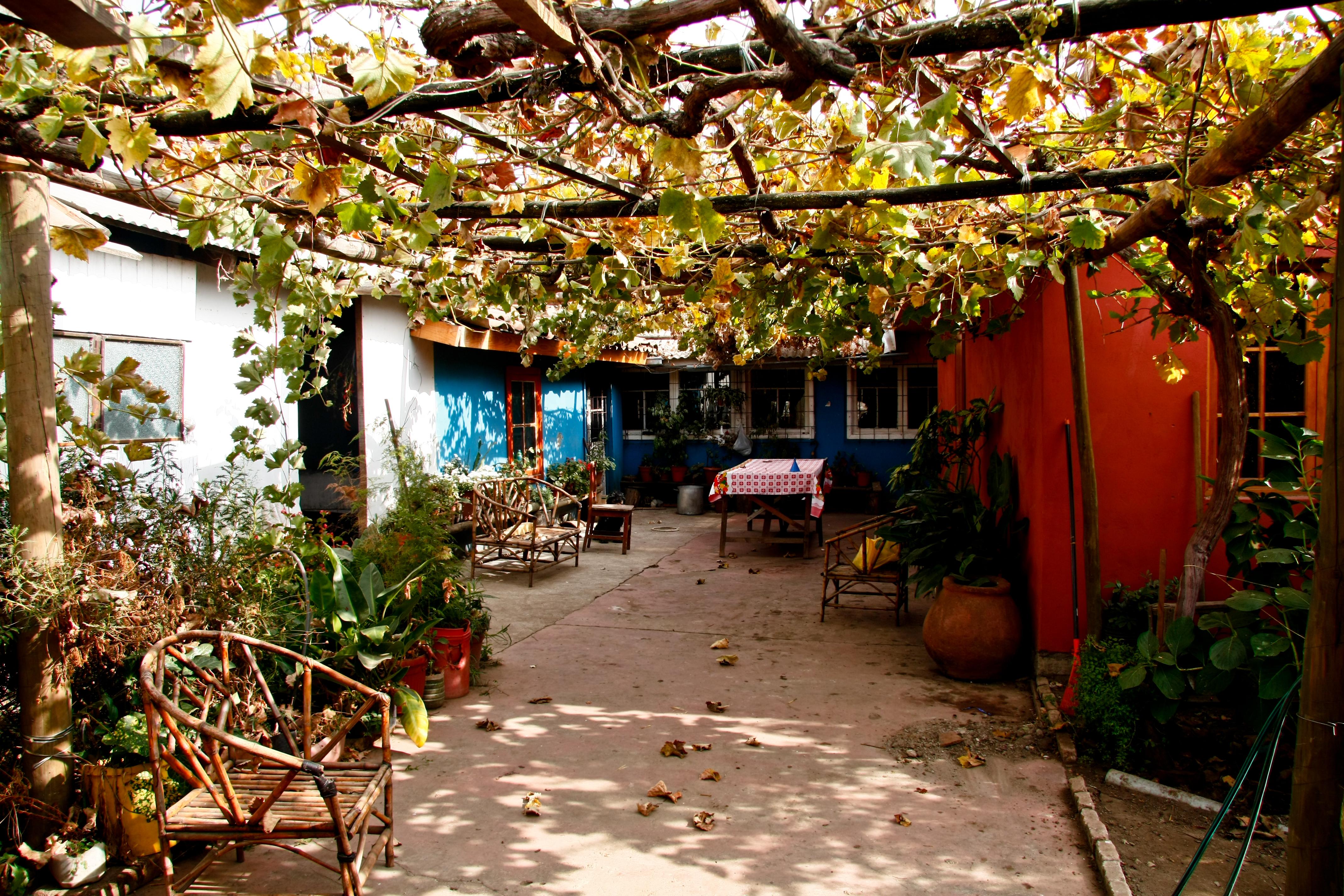 File patio interior de viviendas en zona t pica de villa - Patio interior decoracion ...