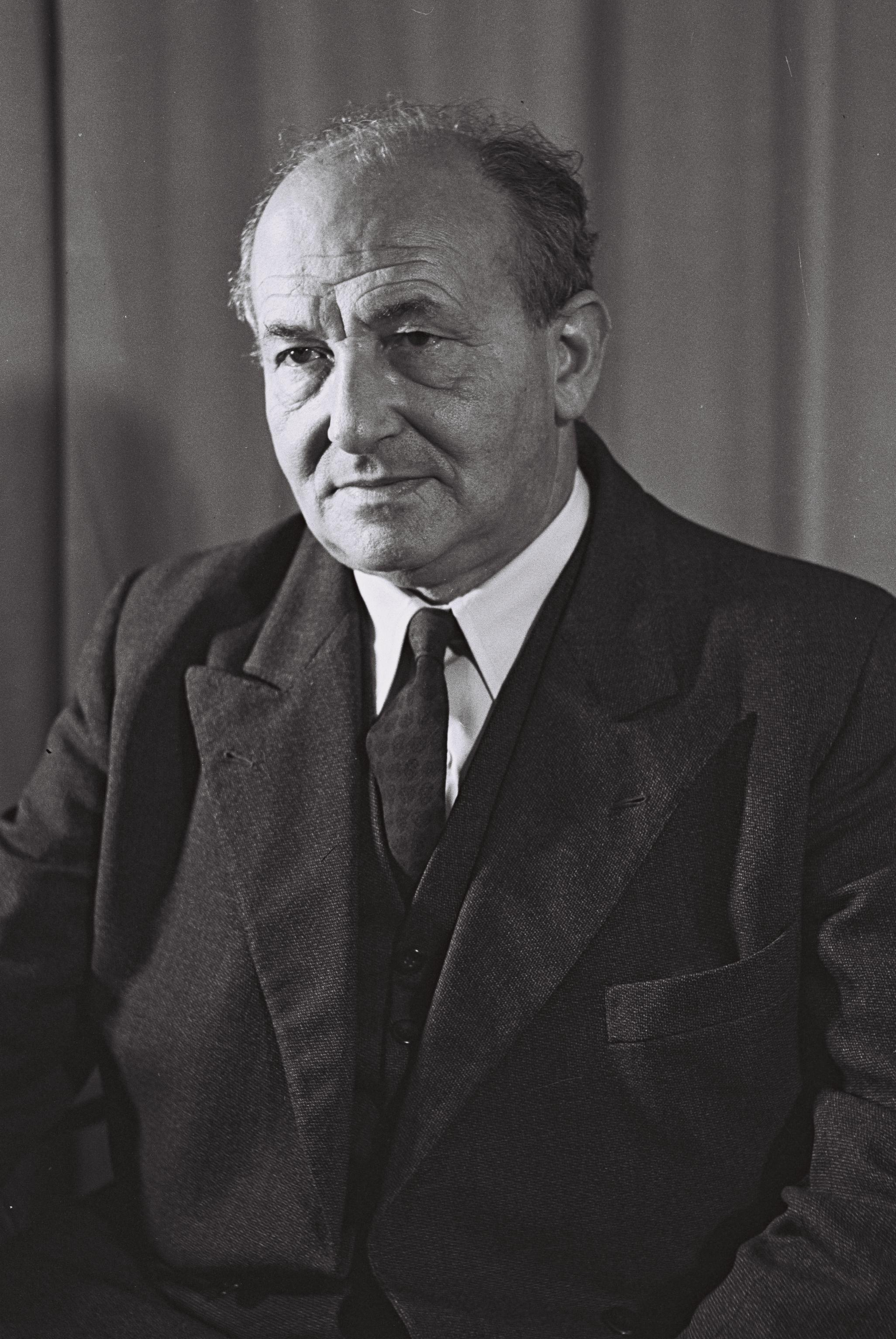 yaakov ahimeir biography of william