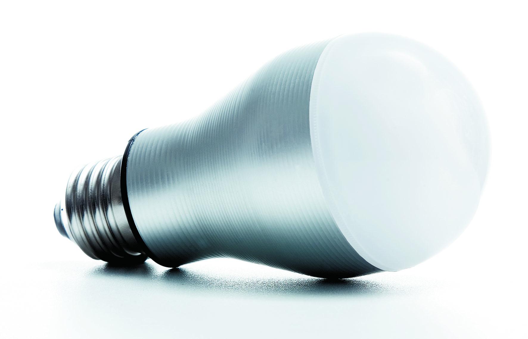 Une ampoule à LED consomme 2 fois moins d\'électricité qu\'une ampoule \