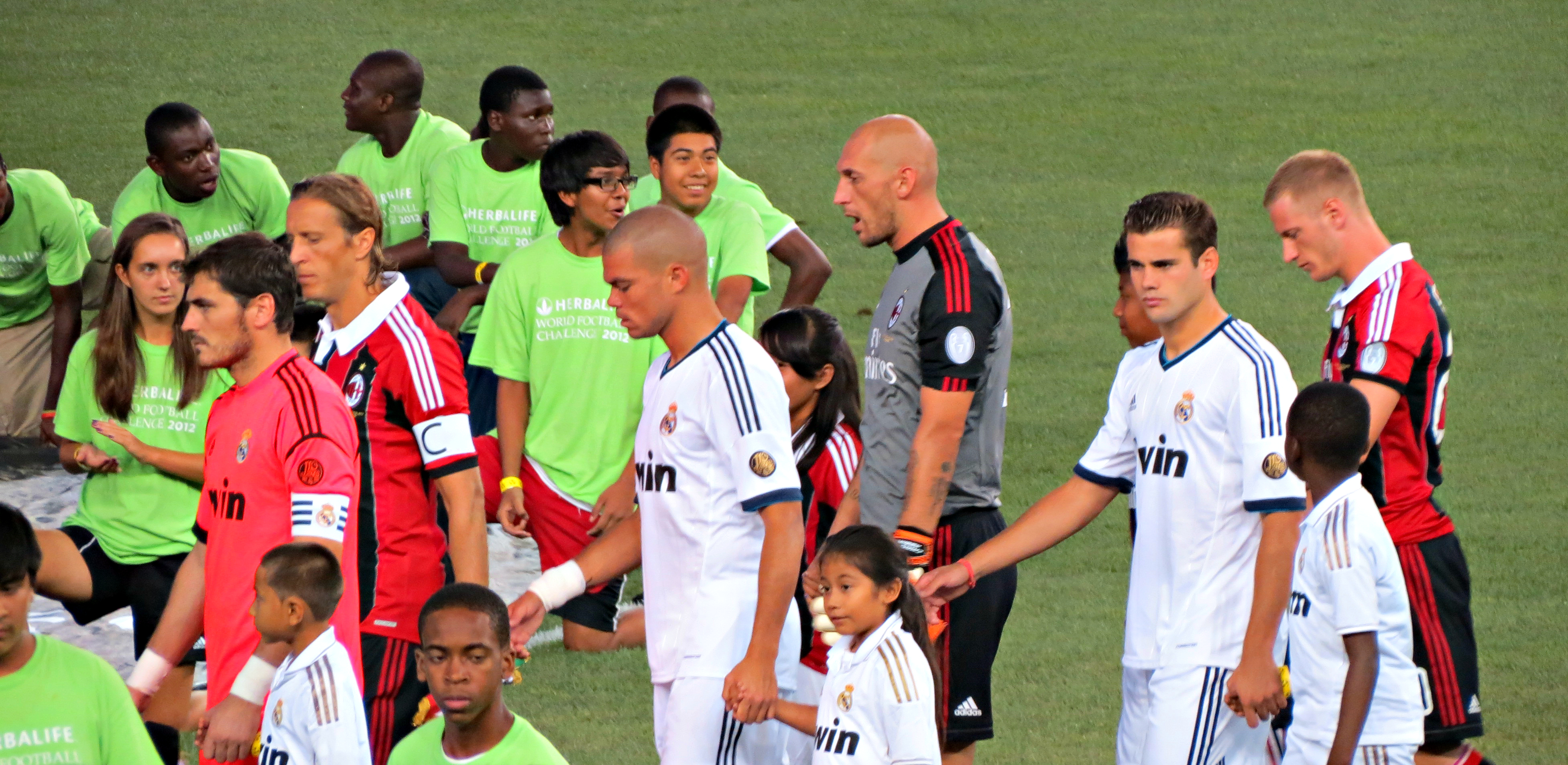 File Player Entrance Real Madrid Vs Ac Milan Jpg Wikimedia Commons