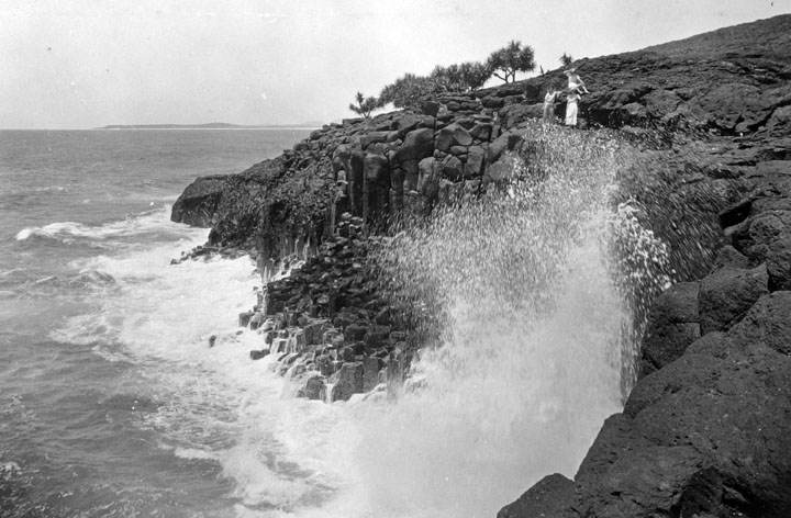 File:Queensland State Archives 1946 Big Seas at Fingal Point near Tweed Heads c 1934.png