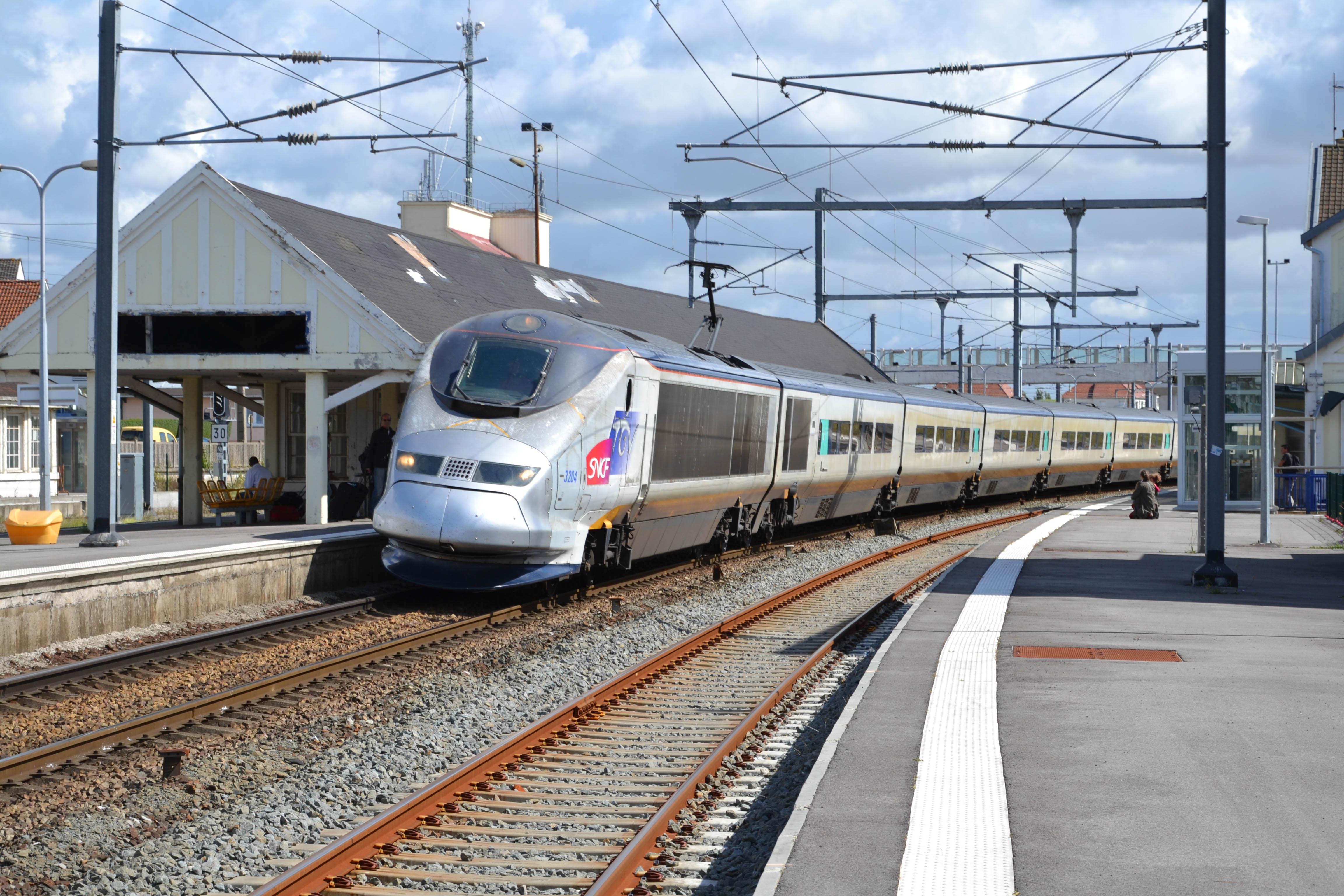 SNCF 3203 04%2C %C3%89taples   Le Touquet %2815098226835%29 - Special livery Eurostars