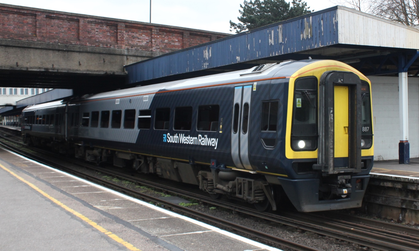 Southampton_Central_-_SWR_158887_Salisbury_service.JPG?profile=RESIZE_710x