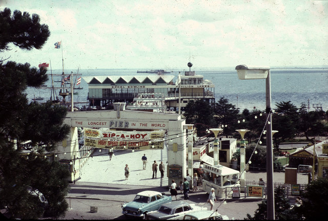 Southend Pier 1965 - geograph.org.uk - 1102942
