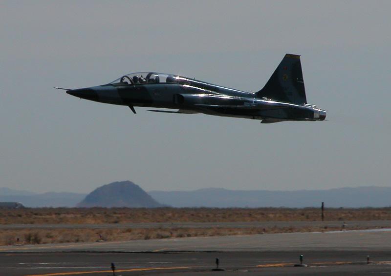F-5A/B/E et F des FRA / RMAF Northrop F-5 Tiger III - Page 14 T38-N675TC-070323-a_radecki