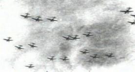 """1941年4月6日,于贝尔格莱德上空飞行的德军轰炸机群,于""""惩罚行动""""中对该城展开猛烈的空袭,造成17,000人死亡,也一定程度上破坏了南国的军事机制。"""