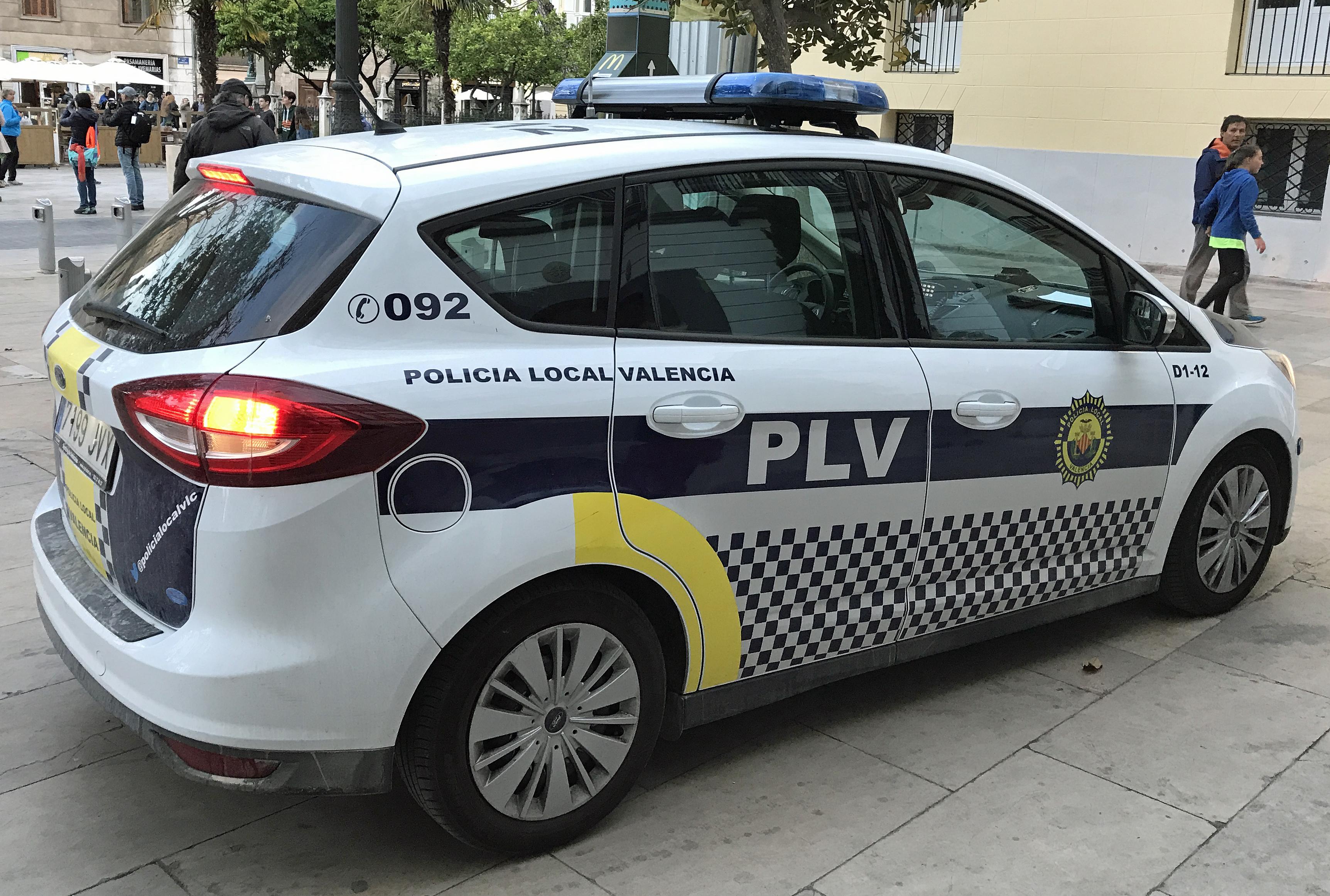 File Valencia Spain Police Car Jpg Wikimedia Commons