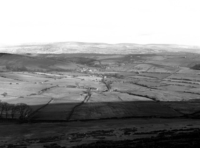 View over Barley from the summit of Pendle Hill - geograph.org.uk - 1538944