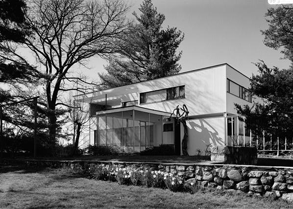 File:Walter Gropius photo Gropius house Lincoln MA.jpg