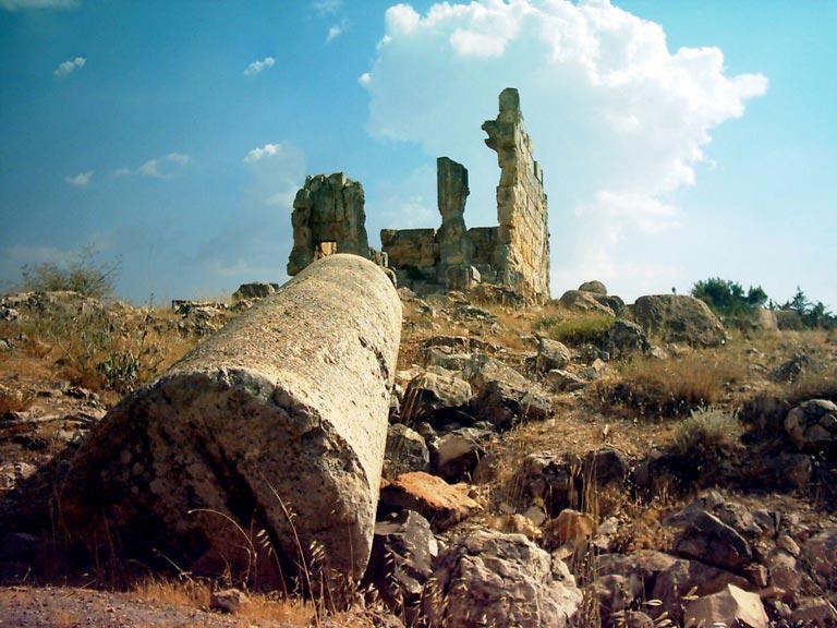 ملف:قلعة مجدل عنجر.jpg