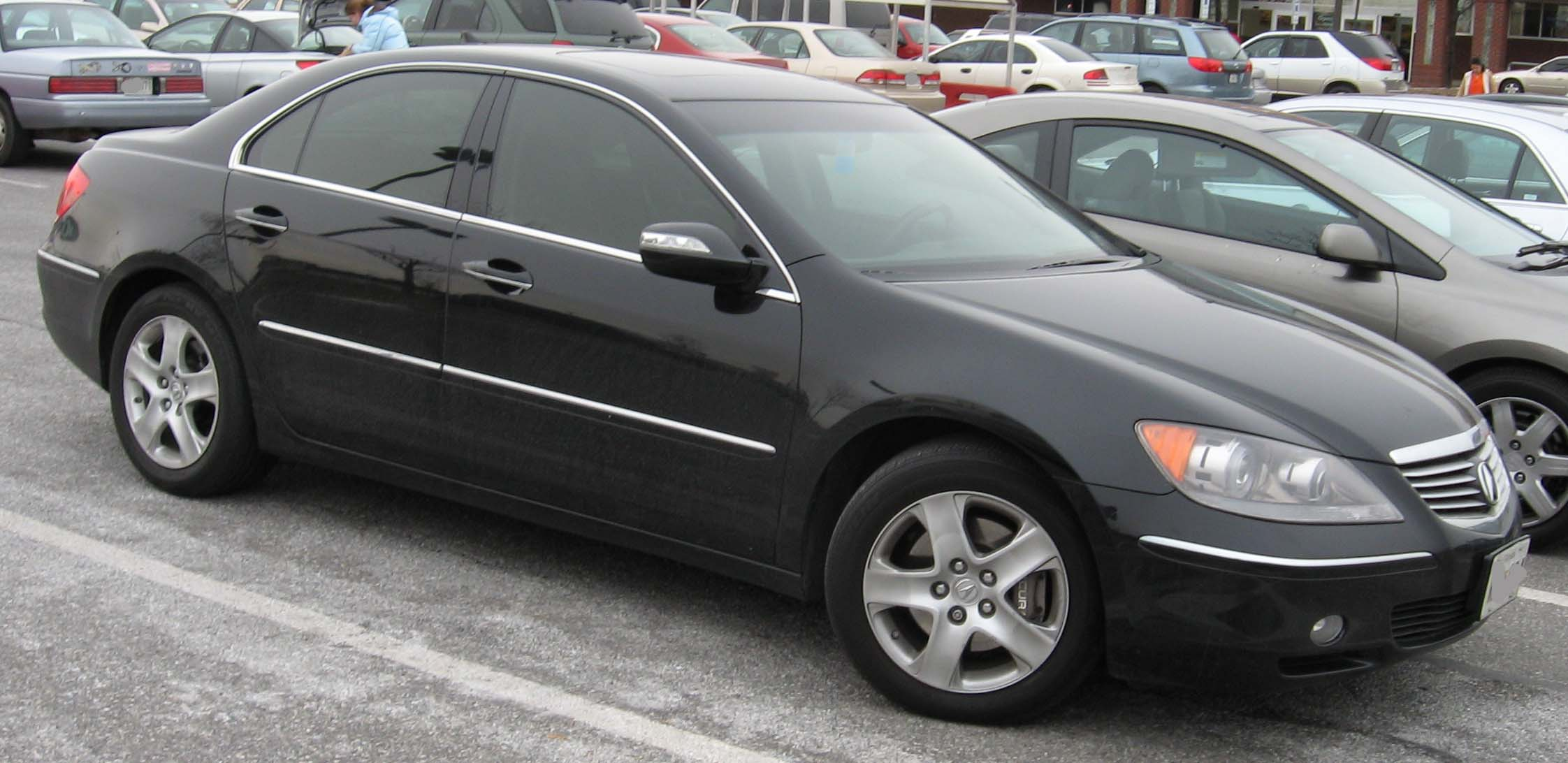 File:05-07 Acura RL 1.jpg - Wikimedia Commons