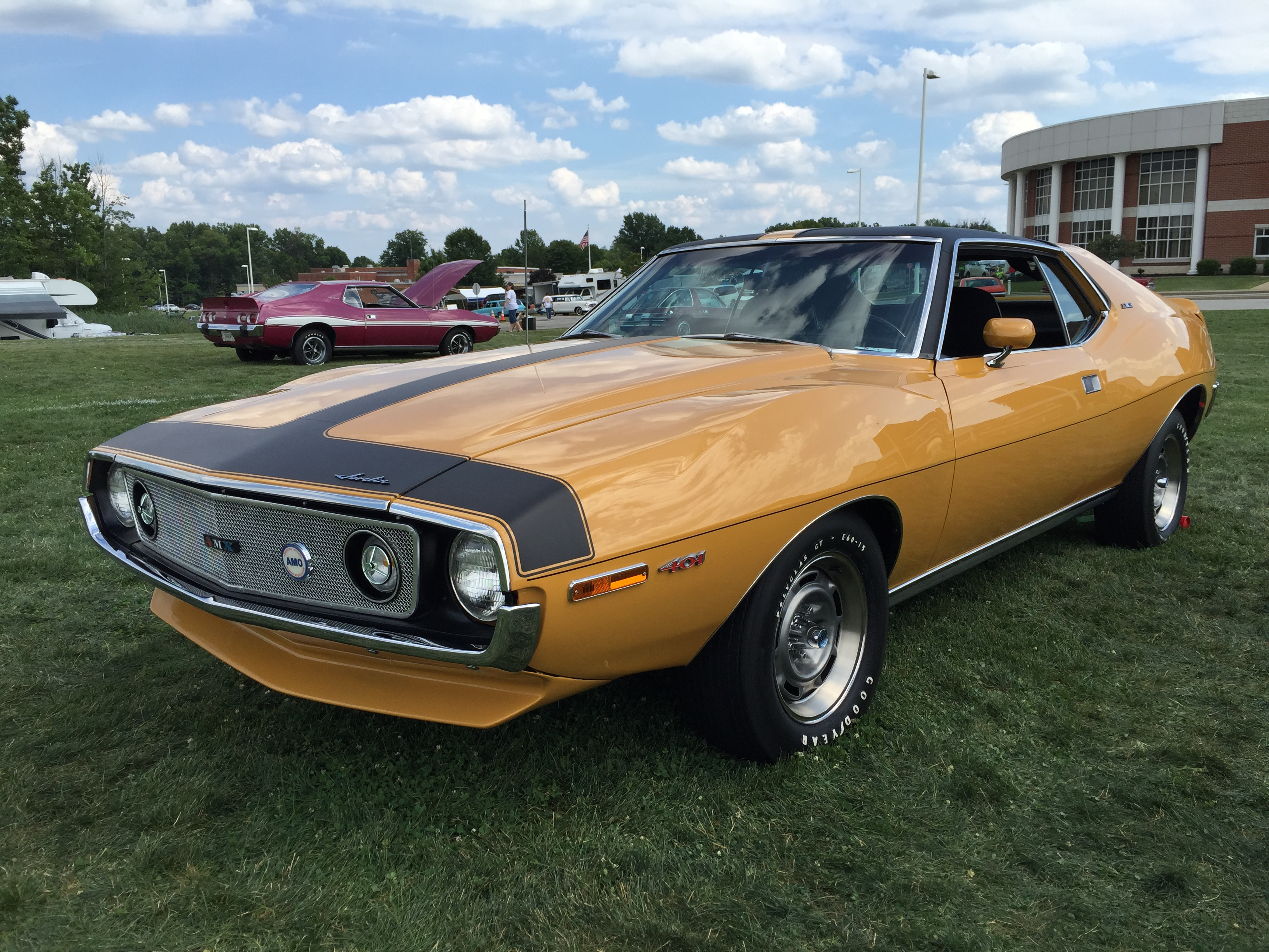 Файл:1971 AMC Javelin AMX 401 in Mustard Yellow at 2015 ... Yellow Javelin Car