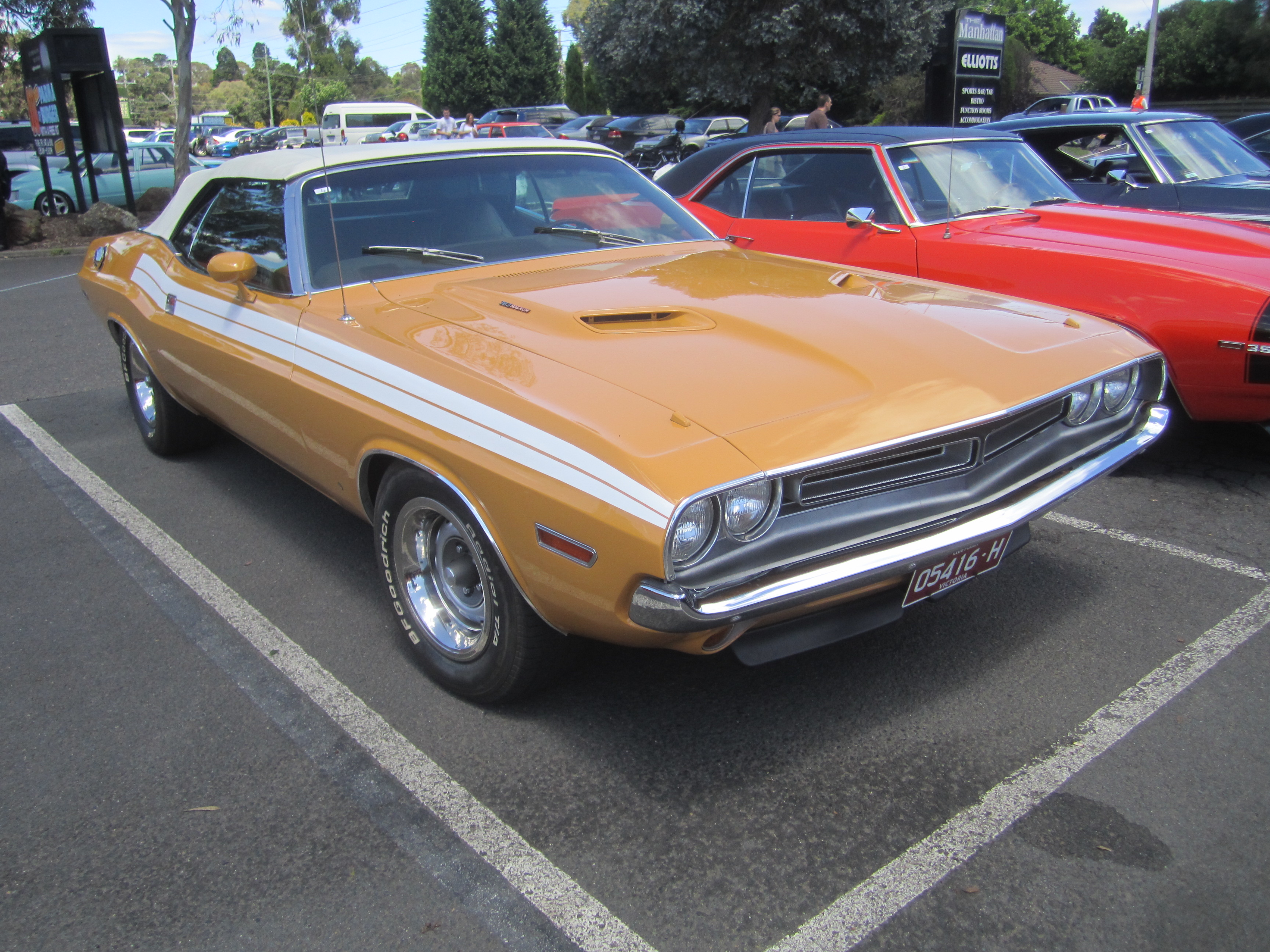 File 1971 dodge challenger 383 convertible   flickr   sicnag as well T 2 DOOR HARDTOP 161570 as well 107594 besides 22 as well Plymouth 426 Hemi Cuda Image Gallery. on dodge 440 hemi engine
