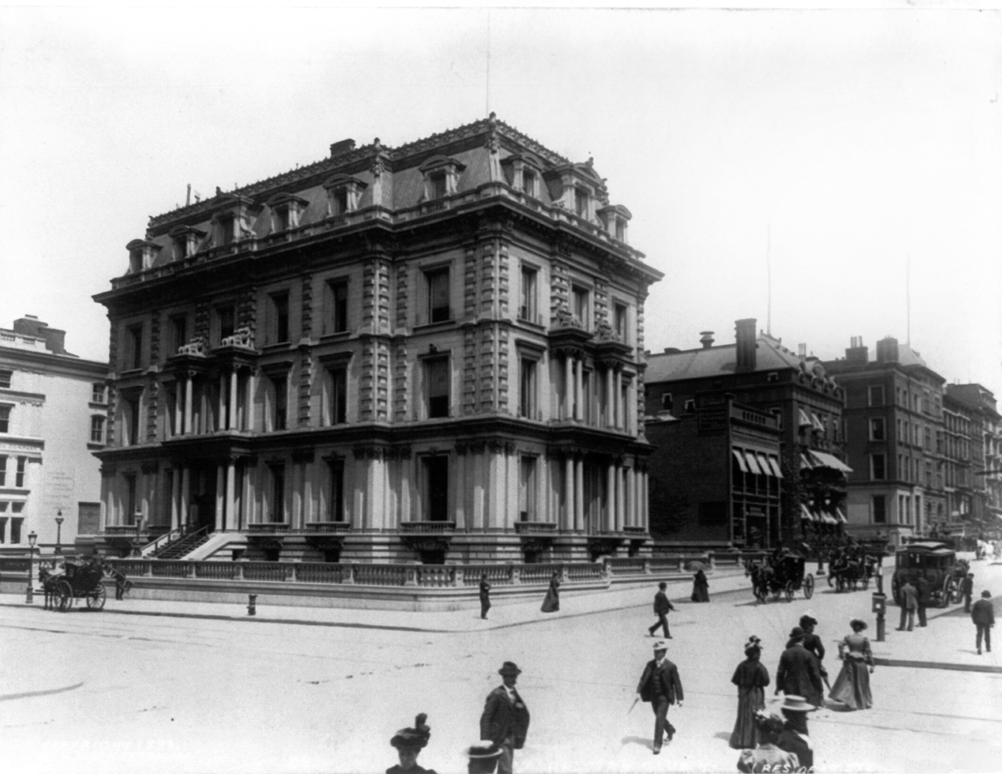 File:A.T. Stewart Mansion 34th st. 5th Ave, New York 1890 ...