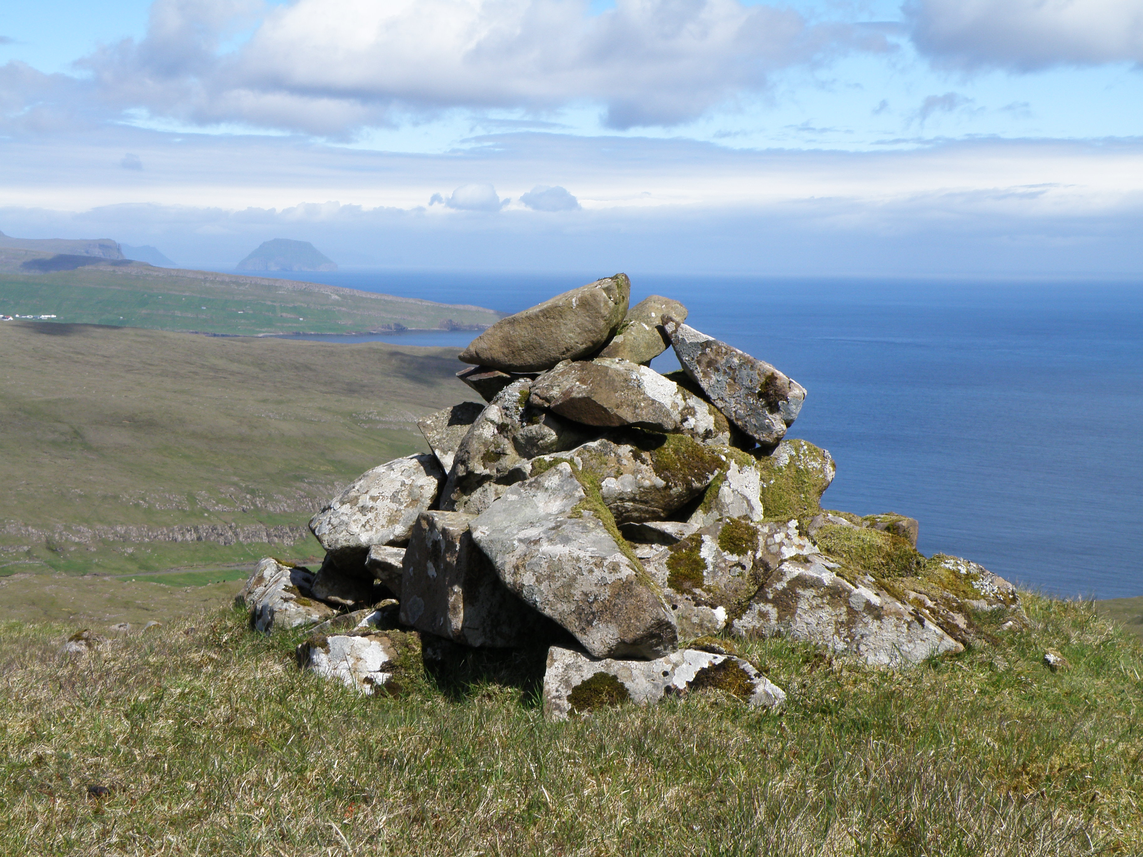 File A Cairn Between Sumba And V 237 Karbyrgi In Su 240 Uroy