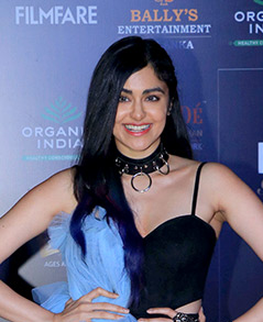 Adah-Sharma-grace-Filmfare-Glamour-and-Style-Awards-2019-23-1 (cropped).jpg