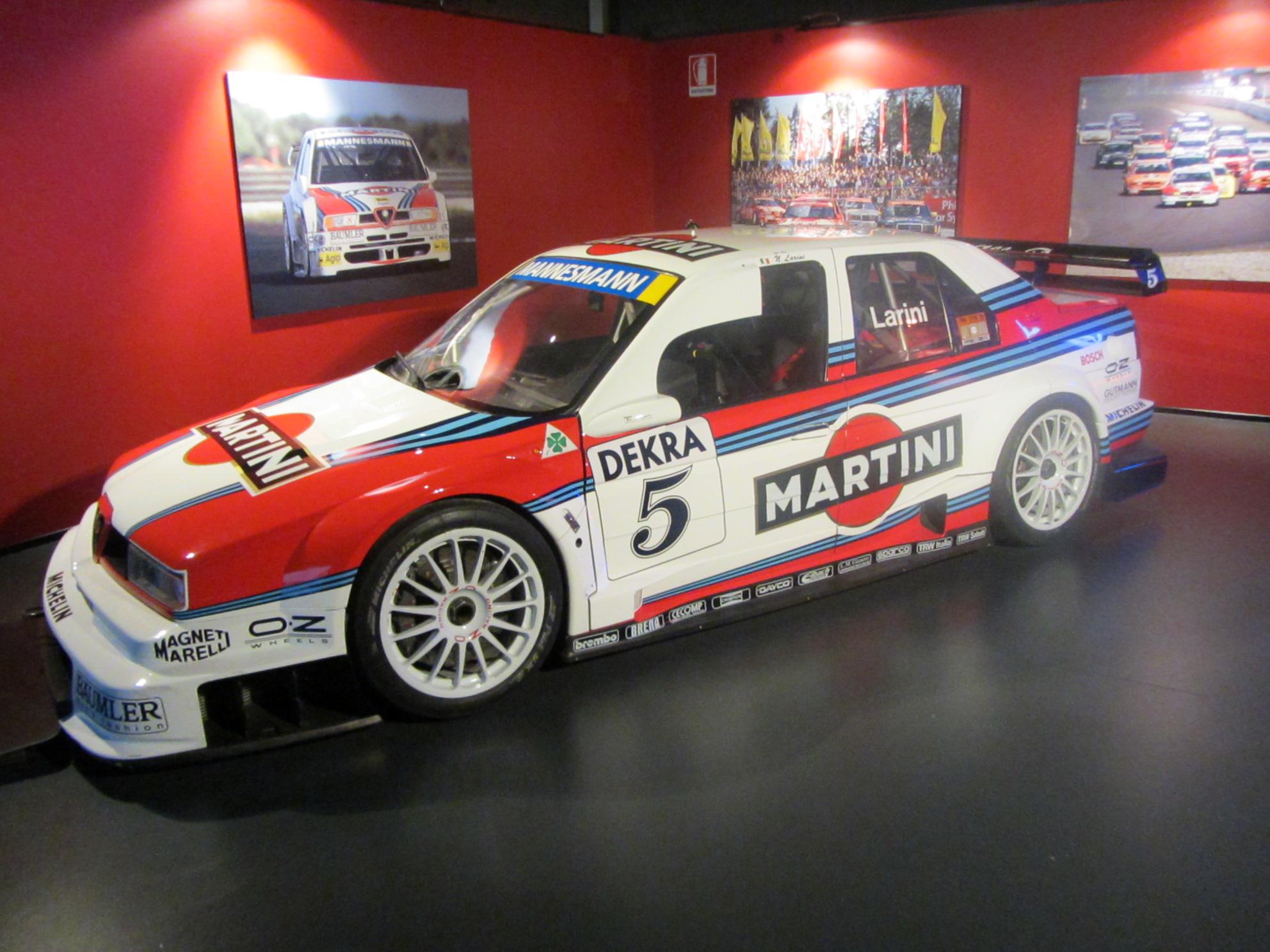 File:Alfa Romeo 155 V6 TI al MAUTO.JPG
