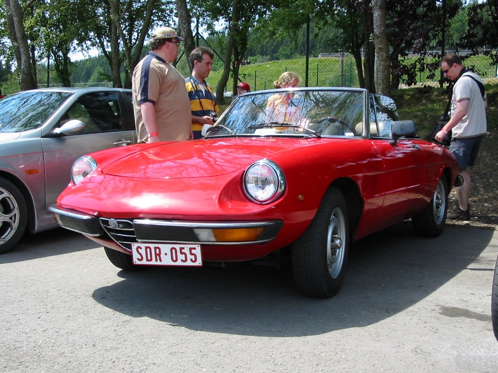 file alfa romeo spider 2000 veloce jpg wikipedia. Black Bedroom Furniture Sets. Home Design Ideas