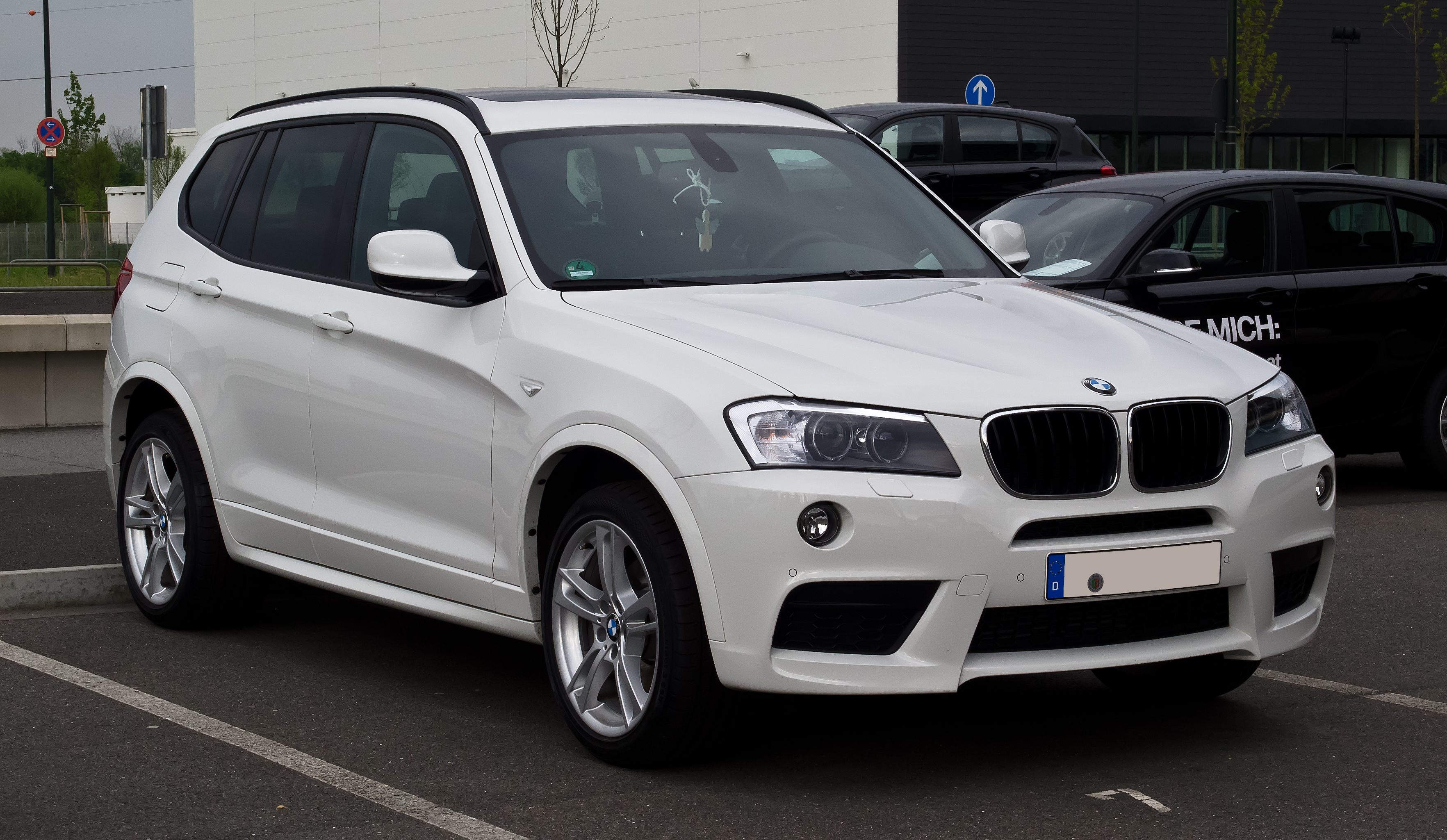 file bmw x3 m sportpaket f25 frontansicht 1 mai 2012 d wikimedia commons. Black Bedroom Furniture Sets. Home Design Ideas