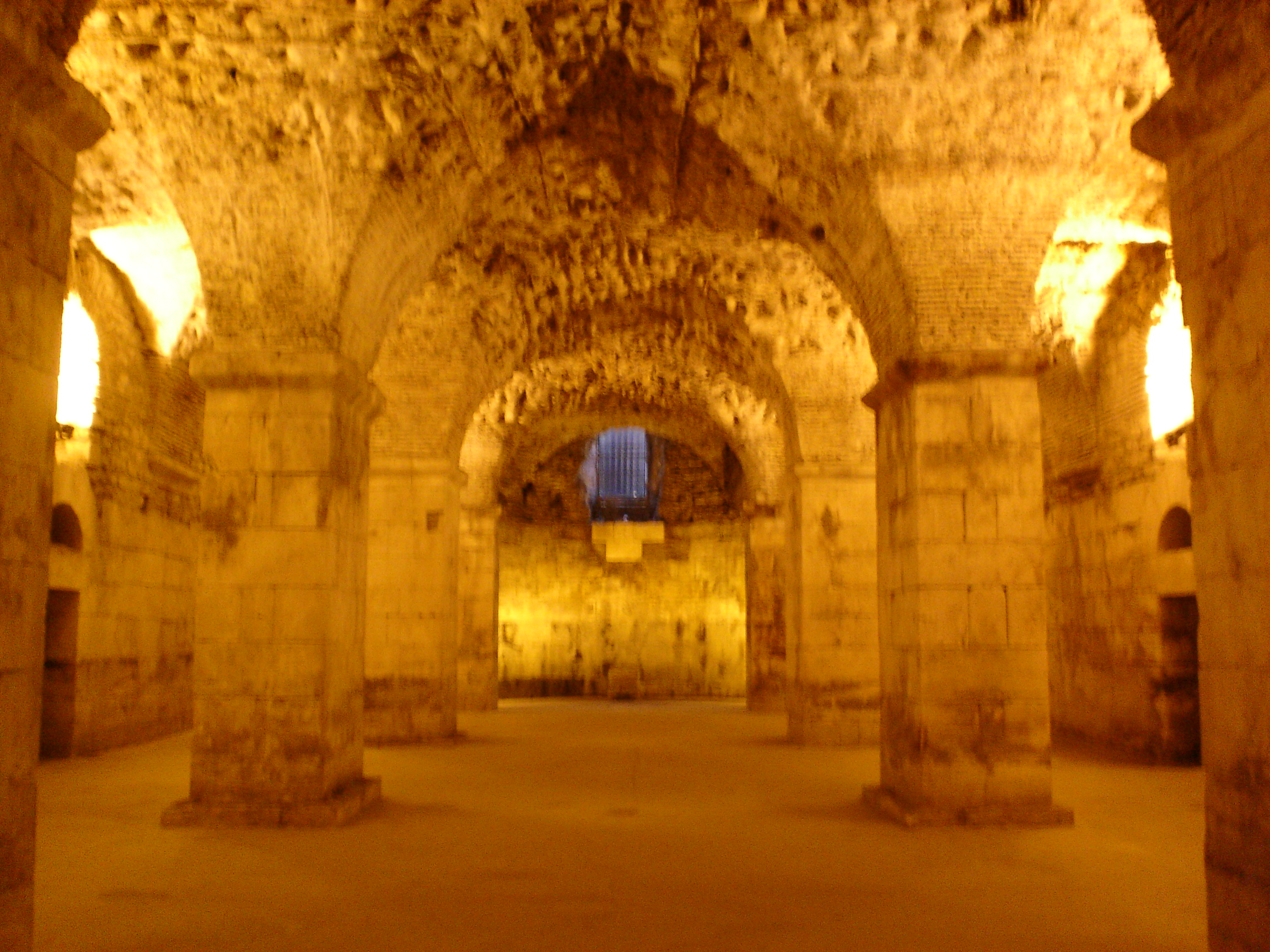 File Basement Of Diocletian 39 S Palace JPG Wikimedia Commons