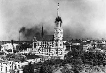 Lodz was Poland's largest city after the destruction of Warsaw during World War II. It was also a major industrial centre in Europe and served as the temporary capital due to its economic significance in the 1940s. Bazylika Archikatedralna w Lodzi.jpg