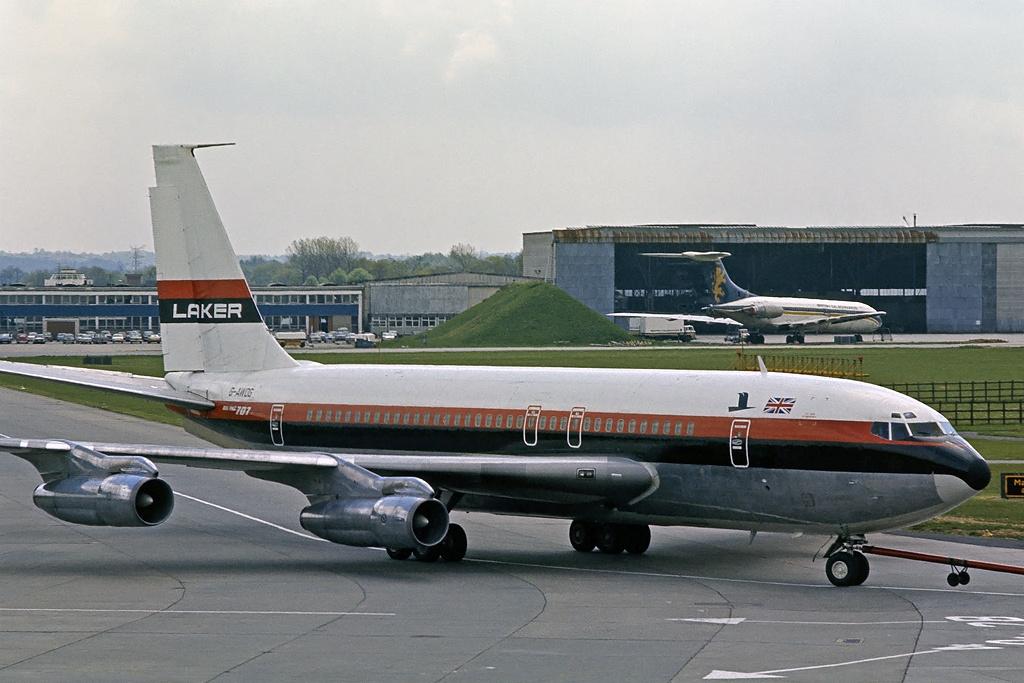 FileBoeing 707 138B Laker Airways AN2245619jpg