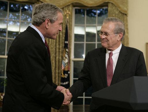 Bush and Rumsfeld shakes hands, November 8, 2006.jpg