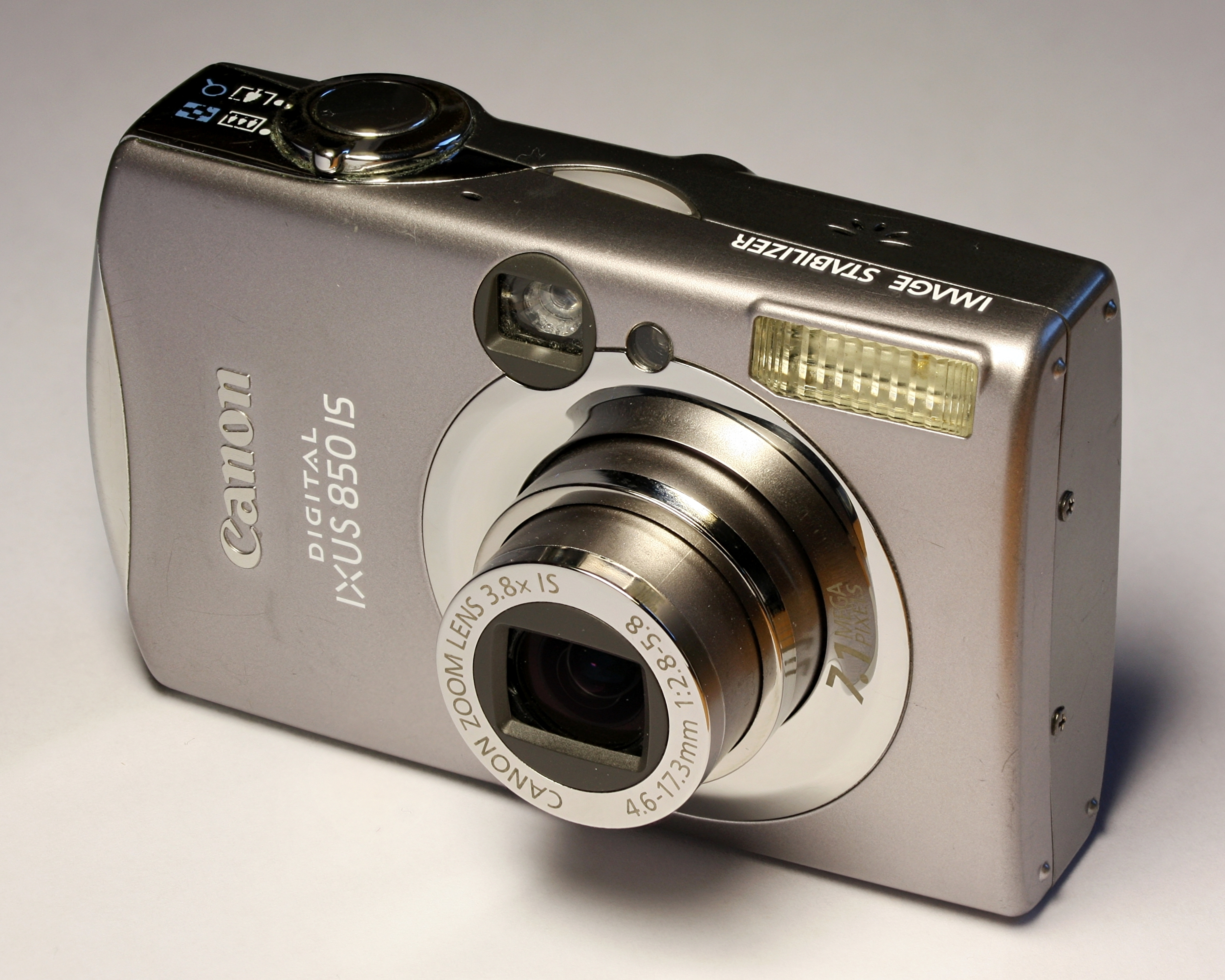 File:Canon Digital IXUS 850 IS-ar 5to4-fs PNr°0268b.