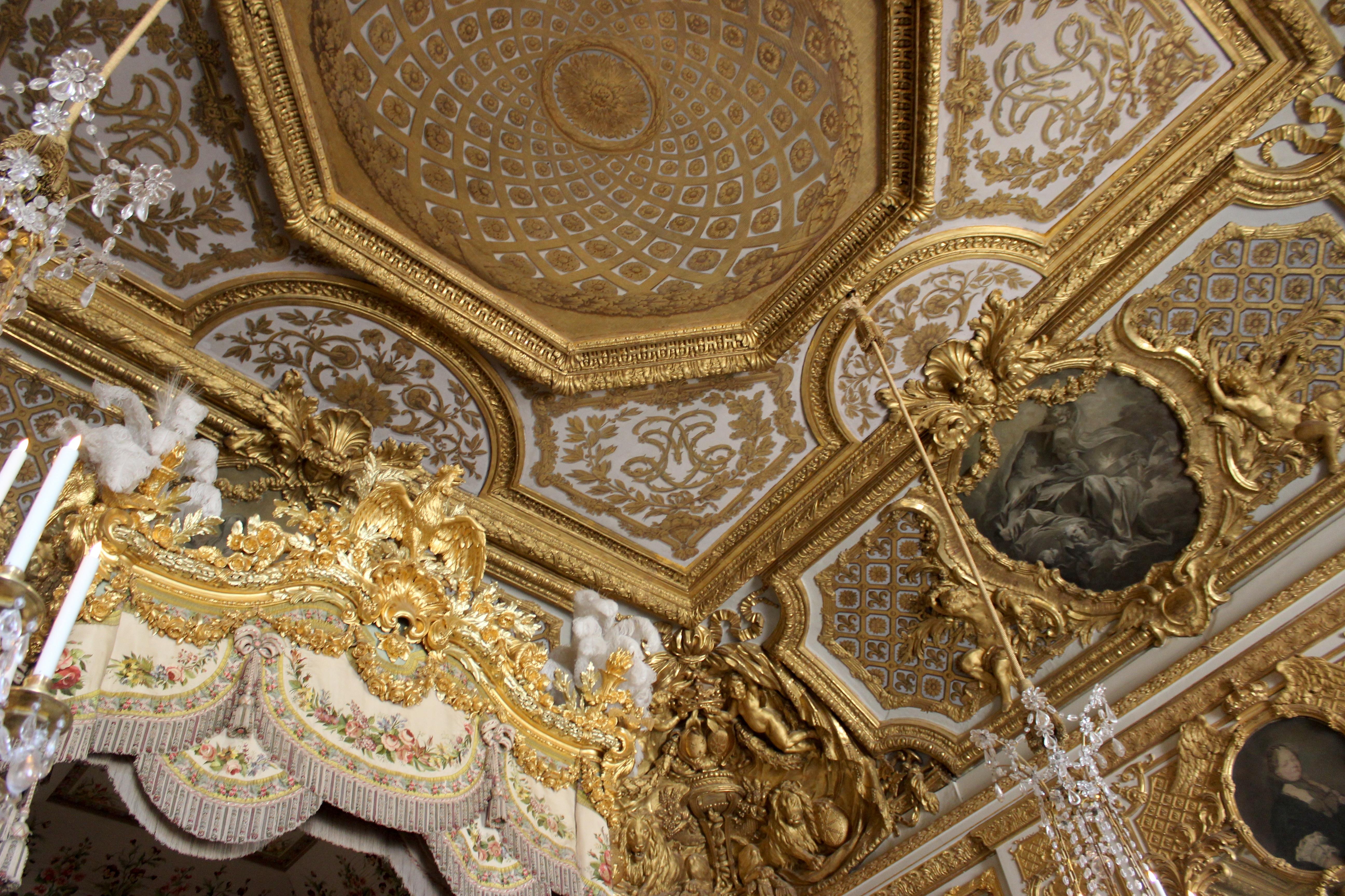File chambre de la reine versailles 05 jpg wikimedia for Chambre de la reine versailles