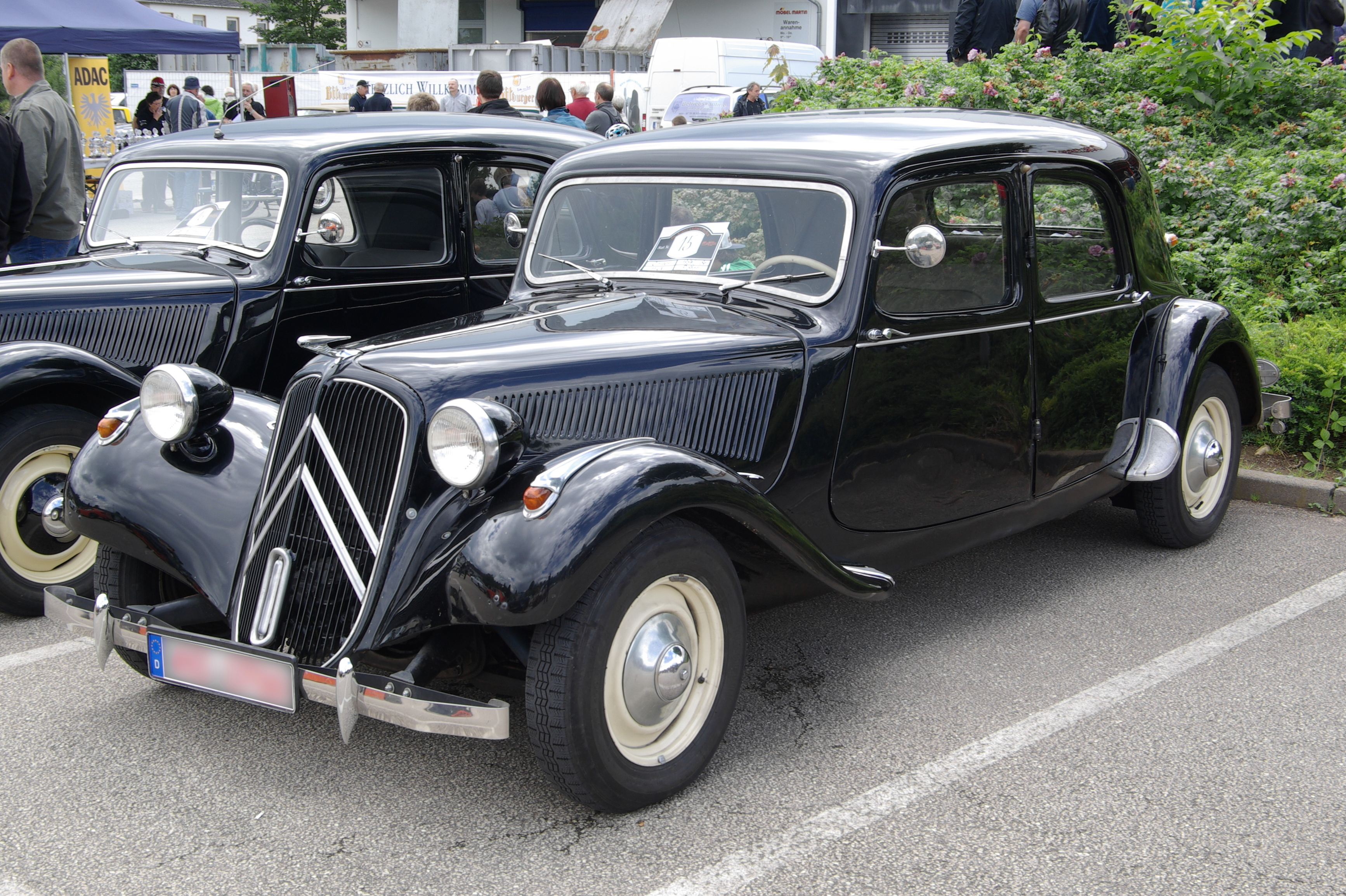 opinions on citroen traction avant. Black Bedroom Furniture Sets. Home Design Ideas