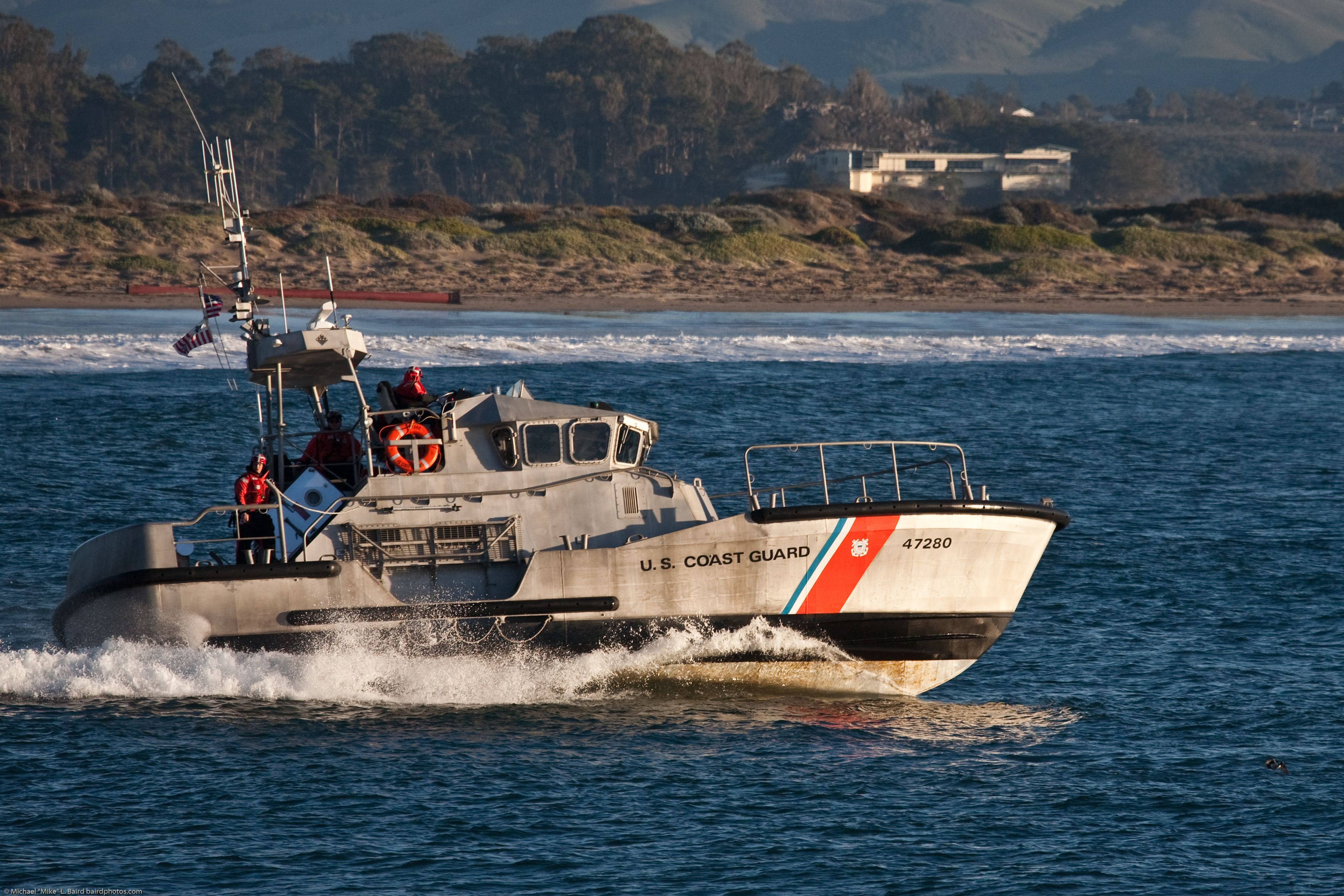 File coast guard 47 39 motor lifeboat escorts fishing boats for Small fishing boats with motor
