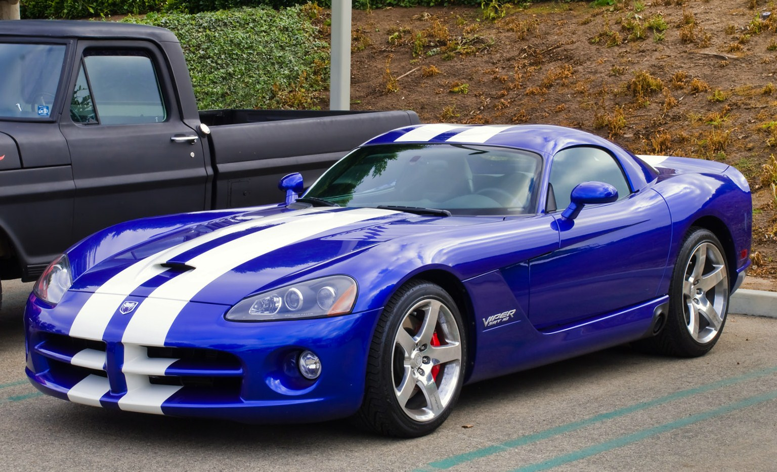 File:Dodge Viper SRT 10