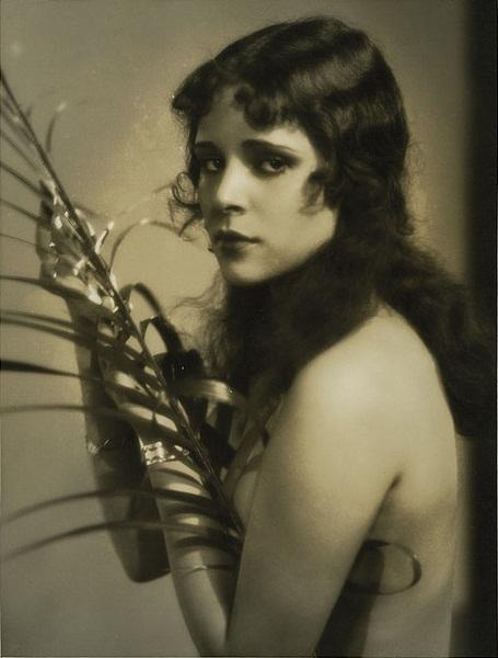 File:Dorothy Janis.jpg