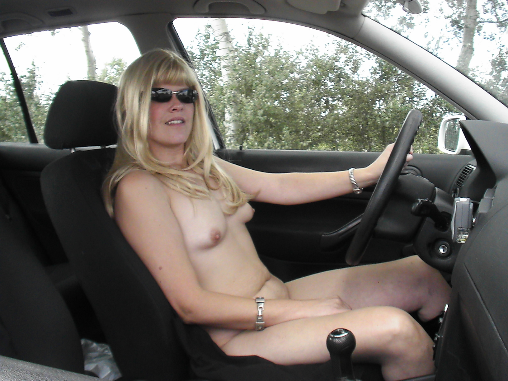 Cock girls cars naked