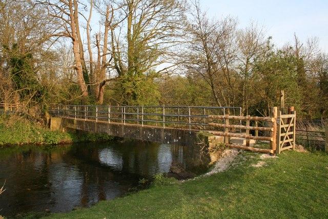 Footbridge across the Great Stour River - geograph.org.uk - 405213