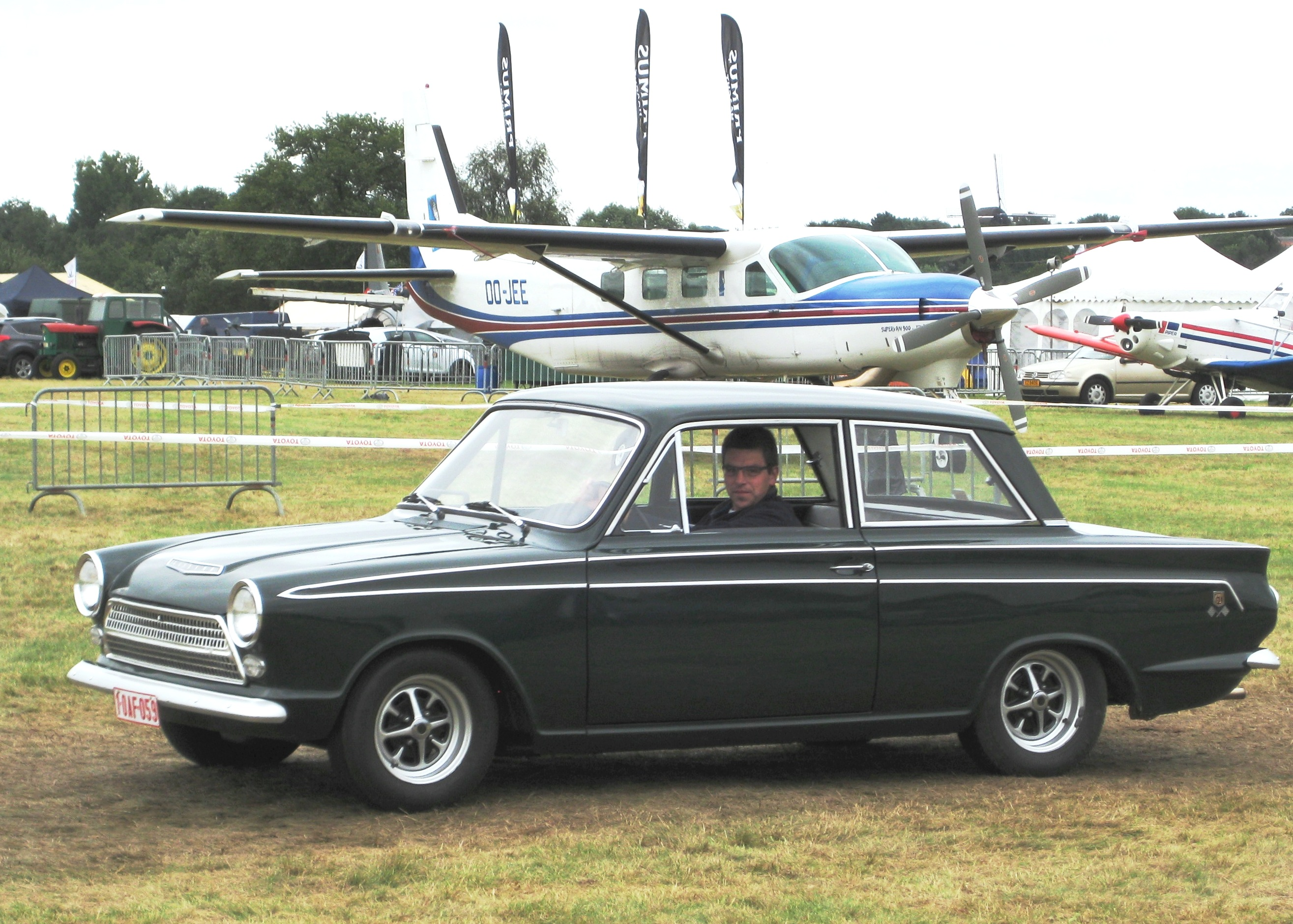 Grand Tourer Wikipedia 49 F1 Ignition 3 Post Switch Ford Truck Enthusiasts Forums 196264 Cortina Gt Two Door Sedan