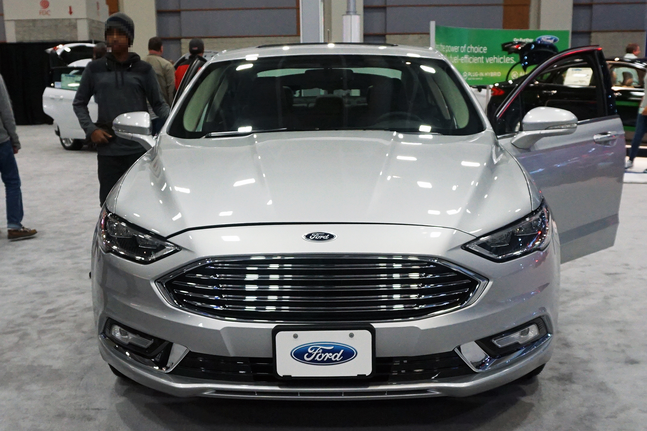 Frontal view of the refreshed 2017 ford fusion hybrid
