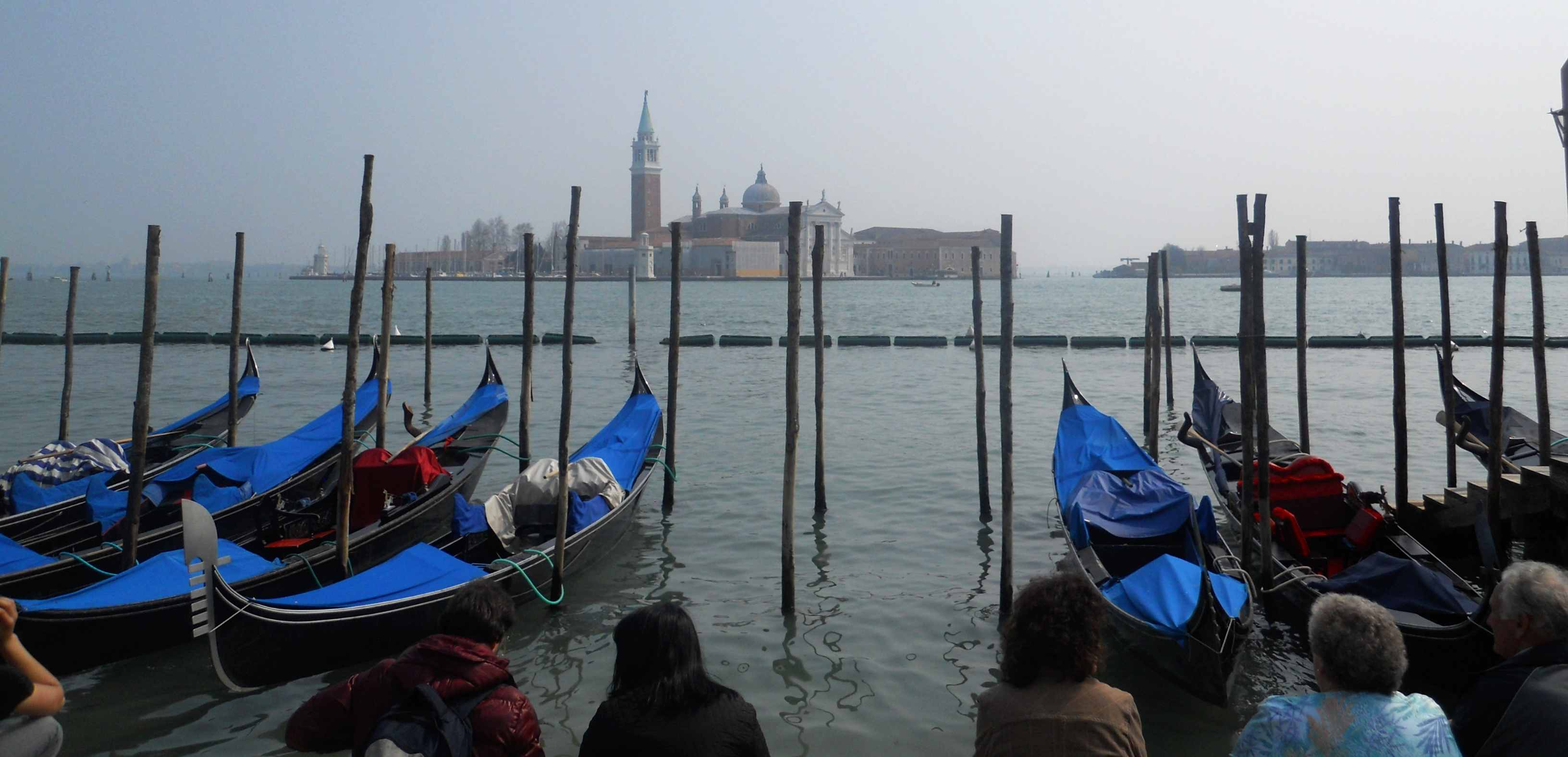 File:Gondolas at San Marco Pier (5986671571).jpg - Wikimedia Commons